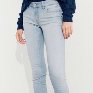 Hollister 1S W25 L28 light low rise xtra skinny